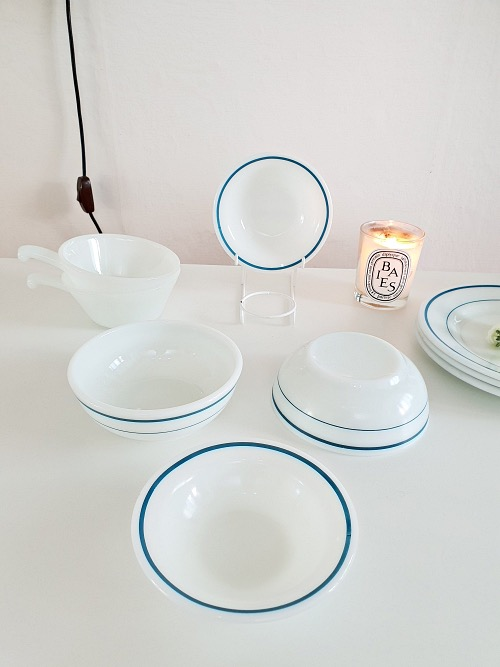 (2p입고) Vintage Corning Pyrex Milk Glass Blue Band Dessert Bowls