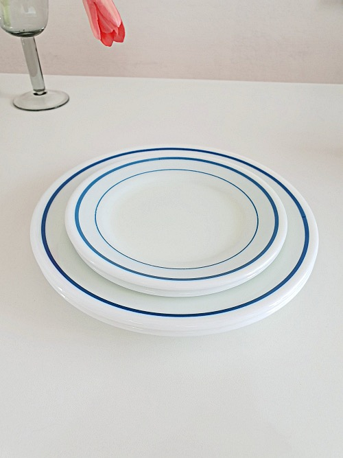 (2장입고) Vintage Corning Pyrex White Milk Glass Blue Band Bread Plate (17CM)